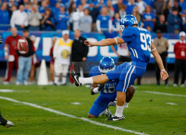 Craig McIntosh scores a field goal in the first half of UK's 31-28 win over  South Carolina football on Saturday, Oct. 16, 2010. Photo by Britney McIntosh | Staff