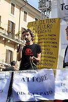 Roma 7 Giugno 2010.Piazza Navona.Artisti, scrittori, attori, manifestano contro i tagli alla cultura della manovra finanziaria..Artists, writers, actors, demonstrating against the cuts to the culture of fiscal consolidation.