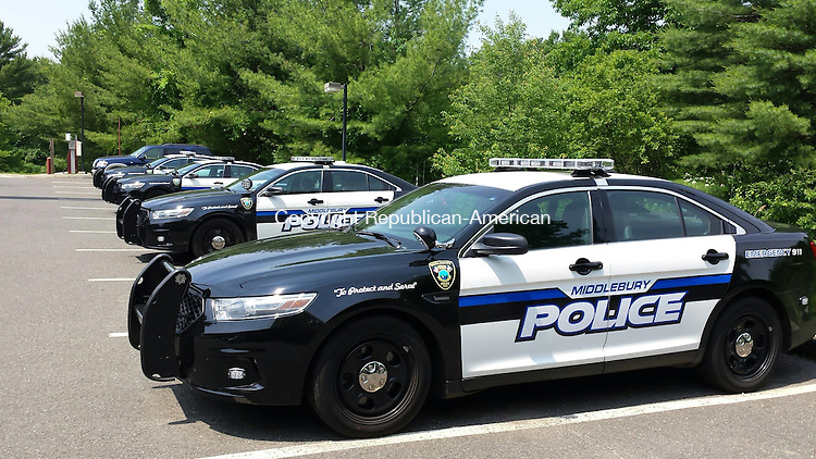 MIDDLEBURY, CT: 12 June 2015:061215BB02: MIDDLEBURY --- Woodbury is considering joining the neighboring town of Middlebury in forming a regional police department, now that the state is raising the cost of participation for resident trooper programs. Bill Bittar Republican-American