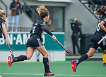 AMSTELVEEN - Maria Verschoor (Adam) brengt de stand op 1-1   tijdens de hoofdklasse hockeywedstrijd dames,  Amsterdam-Den Bosch (1-1).    COPYRIGHT KOEN SUYK