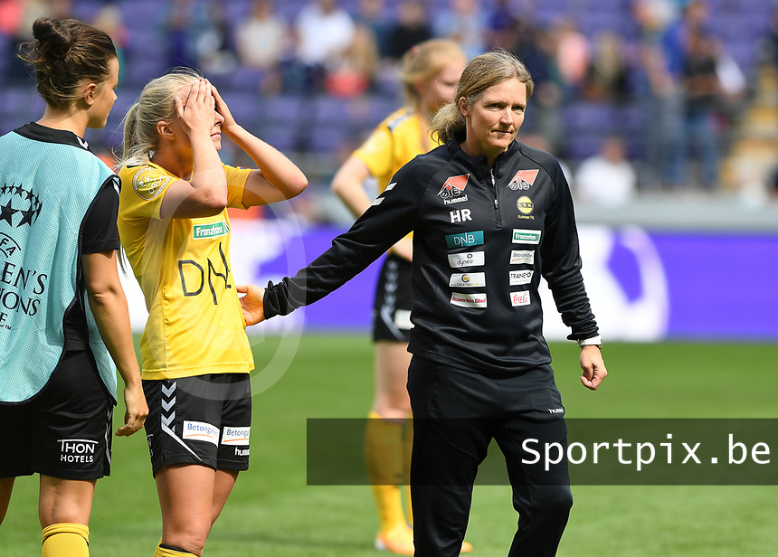20190810 - ANDERLECHT, BELGIUM : LSK's head coach Hege Riise pictured comforting her players after losing the female soccer game between the Belgian RSCA Ladies – Royal Sporting Club Anderlecht Dames  and the Norwegian LSK Kvinner Fotballklubb ladies , the second game for both teams in the Uefa Womens Champions League Qualifying round in group 8 , saturday 10 th August 2019 at the Lotto Park Stadium in Anderlecht  , Belgium  .  PHOTO SPORTPIX.BE for NTB NO | DAVID CATRY
