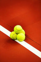 6-2-06, Netherlands, Amsterdam, Daviscup, first round, Netherlands-Russia, training, Balls on line