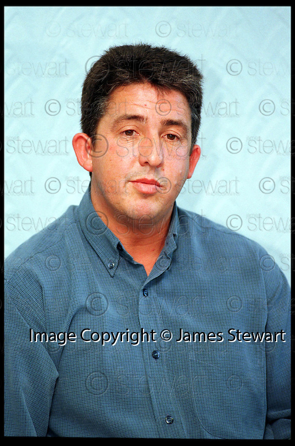 8th October 98     .Copyright Pic : James Stewart   .LARRY HAGGART AT THE PRESS CONFERENCE AT  CENTRAL SCOTLAND POLICE HEADQUARTERS AFTER THE APPOLOGY.....Payments to :-.James Stewart Photo Agency, Stewart House, Stewart Road, Falkirk. FK2 7AS      Vat Reg No. 607 6932 25.Office : 01324 630007        Mobile : 0421 416997.If you require further information then contact Jim Stewart on any of the numbers above.........