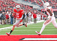 Ohio State Buckeyes tight end Jeff Heuerman (05) steps into the end zone untouched for the Buckeye's second TD against Indiana at Ohio Stadium on 22, 2014. (Chris Russell/Dispatch Photo)