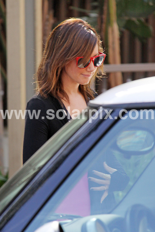 **ALL ROUND EXCLUSIVE PICTURES FROM SOLARPIX.COM**.**WORLDWIDE SYNDICATION RIGHTS EXCEPT FOR USA, AUSTRALIA & GERMANY**.Hollywood actress & pop singer Ashley Tisdale attends important meeting at Warner Brothers Studio in Burbank, CA. U.S.A..JOB REF: 7978         LAS       DATE:21.11.08.**MUST CREDIT SOLARPIX.COM OR DOUBLE FEE WILL BE CHARGED* *UNDER NO CIRCUMSTANCES IS THIS IMAGE TO BE REPRODUCED FOR ANY ONLINE EDITION WITHOUT PRIOR PERMISSION*