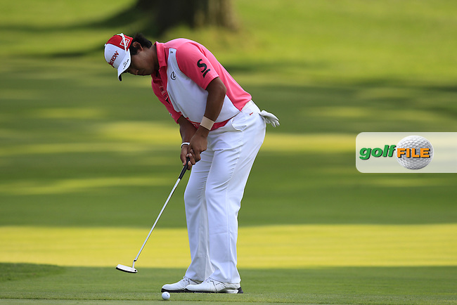 Hideki MATSUYAMA (JPN) putts on the 16th green during Friday's Round 2 of the WGC Bridgestone Invitational, held at the Firestone Country Club, Akron, Ohio.: Picture Eoin Clarke, www.golffile.ie: 1st August 2014