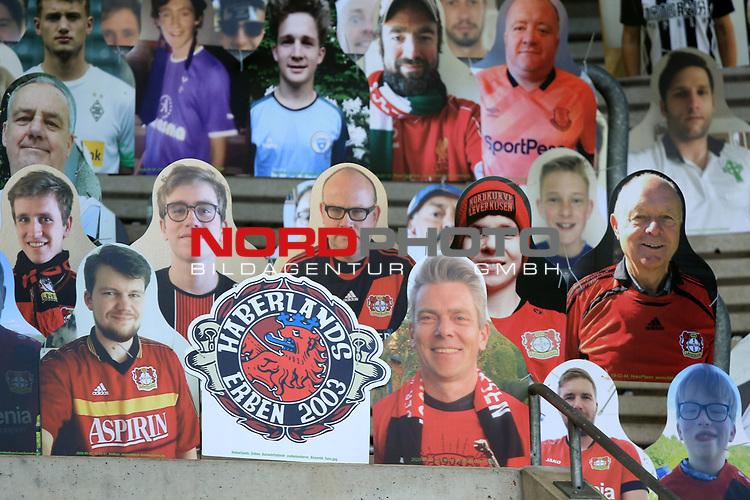 Gladbacher Fanblock mit Pappfiguren, Pappkameraden in der Nordkurve<br /><br />27.06.2020, Fussball, 1. Bundesliga, Saison 2019/2020, 34. Spieltag, Borussia Moenchengladbach - Hertha BSC Berlin,<br /><br />Foto: Johannes Kruck/POOL / via / Meuter/Nordphoto<br />Only for Editorial use