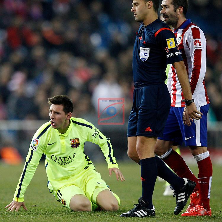 Copa del Rey 2014/2015 - 1/4 final vuelta.<br /> At. Madrid vs FC Barcelona: 2-3.<br /> Lionel Messi, Gil Manzano &amp; Cani.