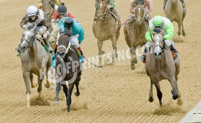 Wishfulthinkin Gal winning at Delaware Park on 7/21/12