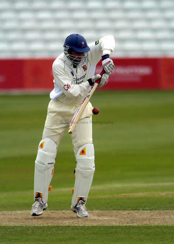Photo: Olly Greenwood..Essex CCC v Glamorgan CCC. LV County Championship, Division 2. 25/04/2007. Essex's Ronnie Irani in batting action.