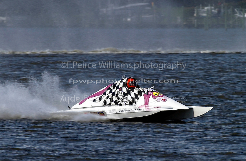 "S-54 ""Pink Panther II"" (2.5 Litre Stock hydroplane(s)"