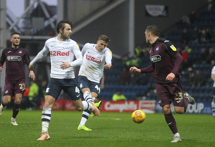 Preston North End's Brad Potts gets a shot on goal<br /> <br /> Photographer Mick Walker/CameraSport<br /> <br /> The EFL Sky Bet Championship - Preston North End v Swansea City - Saturday 12th January 2019 - Deepdale Stadium - Preston<br /> <br /> World Copyright &copy; 2019 CameraSport. All rights reserved. 43 Linden Ave. Countesthorpe. Leicester. England. LE8 5PG - Tel: +44 (0) 116 277 4147 - admin@camerasport.com - www.camerasport.com