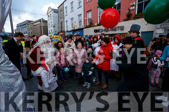 the CH Chemist Santa parade in Tralee on Saturday afternoon last.