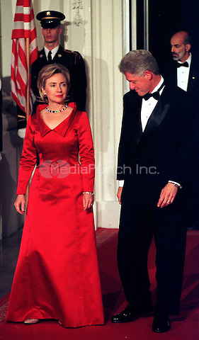 United States President Bill Clinton and first lady Hillary Rodham Clinton prepare for the arrival of President and Mrs. Andres Pastrana of Columbia for the State Dinner on the North Portico of the White House in Washington, D.C. on October 28, 1998..Credit: Ron Sachs / CNP/MediaPunch