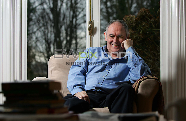 Pix by Ben Duffy/SWpix.com.....Darts...Darts commentator, Sid Waddell.......10/01/2006..?COPYRIGHT PICTURE>>SIMON WILKINSON>>0870 0920092>>..Darts Commentator, Sid Waddell pictured at his Leeds home.