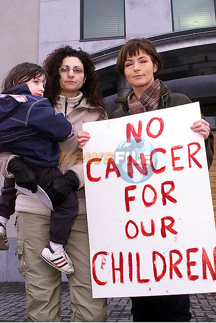 Gabriella and Lorraine O'Shaughnessy pictured with Mary Wilson, at the incinerator protest at the meath county council buildings in Duleek..pic: Newsfile