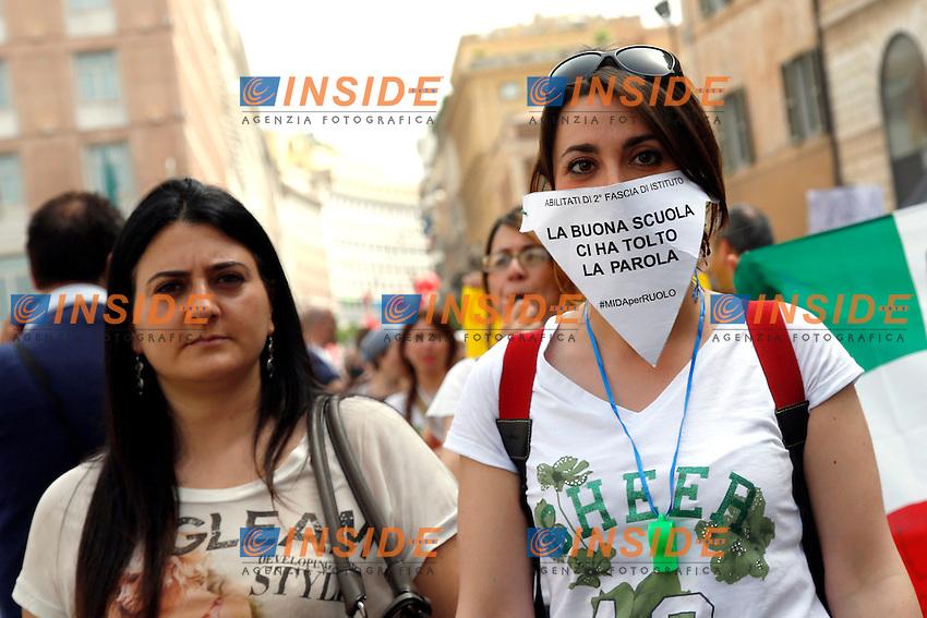Cartello La buona scuola ci ha tolto la parola<br /> Roma 05-05-2015 Manifestazione contro la riforma del governo sulla 'Buona scuola'.<br /> Demonstration against the reform of the school<br /> Photo Samantha Zucchi Insidefoto
