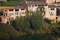 Europe/France/Midi-Pyrénées/81/Tarn/ Albi: vieilles demeures sur les bords du Tarn