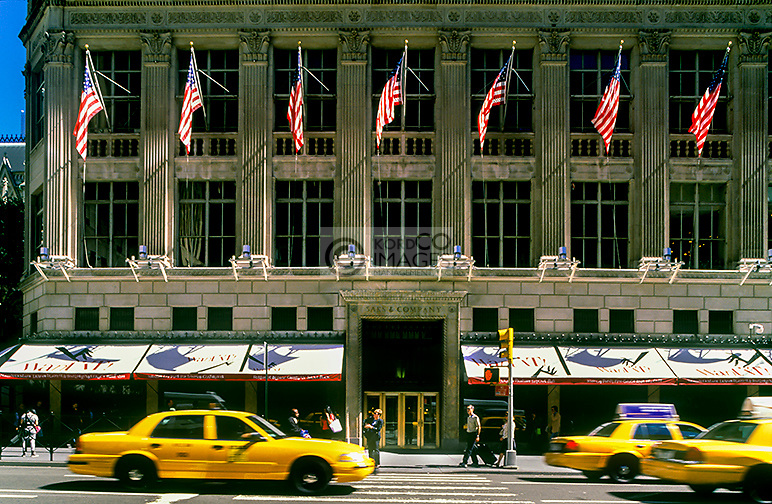 SAKS DEPARTMENT STORE FIFTH AVENUE MANHATTAN NEW YORK CITY USA