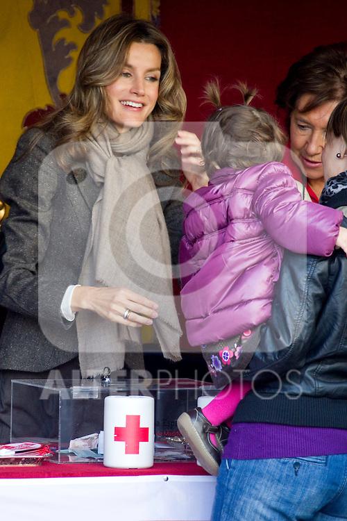 MADRID (25/10/2010).- Princess Letizia attended the red cross fundraising day (Dia de la Banderita)...Photo: Cesar Cebolla / ALFAQUI