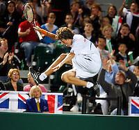6-4-07, England, Birmingham, Tennis, Daviscup England-Netherlands, Haase  gaat over de boarding