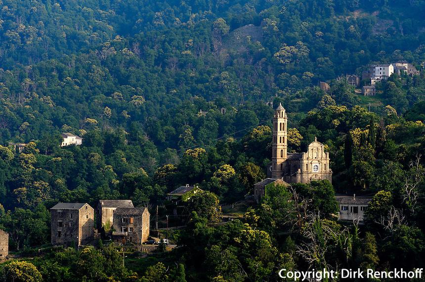 Dorf in der Castagniccia, Korsika, Frankreich