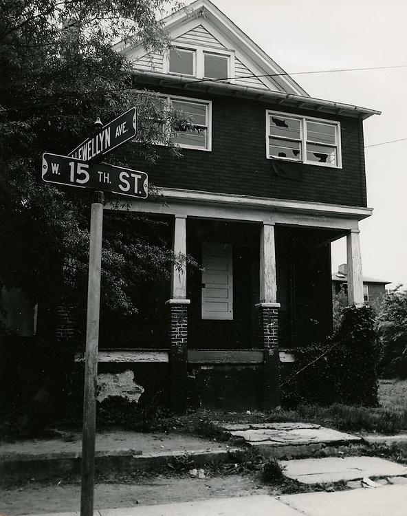 1968 May 15..Redevelopment.E Ghent North (A-1-2) R-55..301 West 15th Street.Southwet corner 15th Street & Llewellyn Avenue...Sam McKay.NEG#.NRHA#..