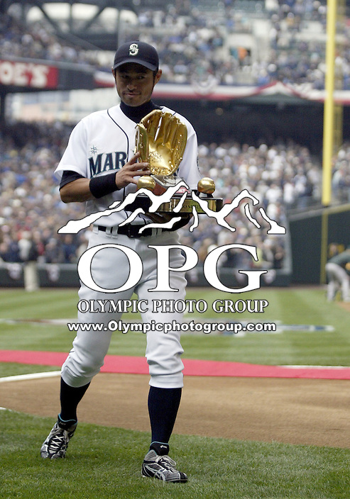 12 April 2010: Seattle Mariners right fielder Ichiro Suzuki was presented with his 9th consecutive gold glove award before the game gainst the Oakland A's.  Oakland won 4-0 over Seattle at Safeco Field in Seattle, Washington.