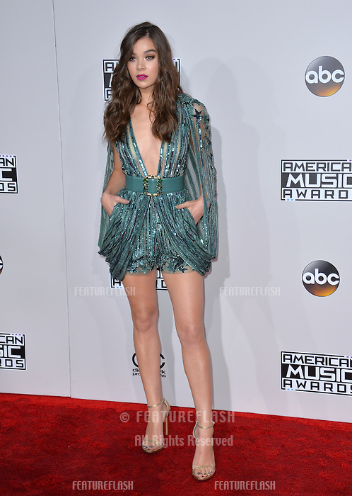 LOS ANGELES, CA. November 20, 2016: Actress Hailee Steinfeld at the 2016 American Music Awards at the Microsoft Theatre, LA Live.<br /> Picture: Paul Smith/Featureflash/SilverHub 0208 004 5359/ 07711 972644 Editors@silverhubmedia.com