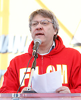 Il segretario nazionale della Fiom CGIL Maurizio Landini parla sul palco della manifestazione nazionale dei metalmeccanici a Roma, 9 marzo 2012..Italian Fiom Cgi union's leader Maurizio Landini speaks during the metalworkers' demonstration in Rome, 9 march 2012..UPDATE IMAGES PRESS/Riccardo De Luca