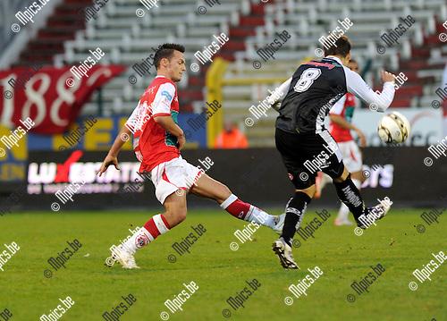 11-11-27 / Voetbal / seizoen 2011-2012 / R. Antwerp FC - RCSC Charleroi / Guy Dufour (L, Antwerp) met Javier Francisco..Foto: Mpics