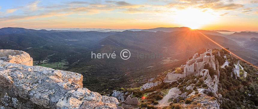 France, Aude (11), Duilhac-sous-Peyrepertuse, château de Peyrepertuse au levé du soleil vu depuis la chapelle San-Jordi // France, Aude, Duilhac-sous-Peyrepertuse, Peyrepertuse castle