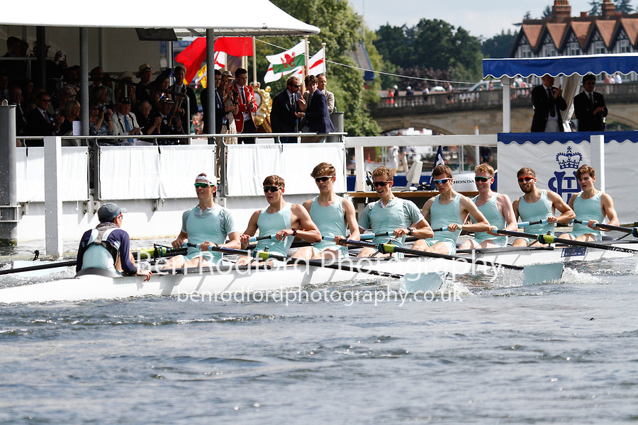 Race: 28 - Event: PE - Berks: 163 ETON COLLEGE - Bucks: 181 SCOTCH COLLEGE, MELBOURNE, AUS<br /> <br /> Henley Royal Regatta 2017<br /> <br /> To purchase this photo, or to see pricing information for Prints and Downloads, click the blue 'Add to Cart' button at the top-right of the page.