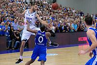 LEEK - Basketbal, Donar - Istanbul BBSK, Europe Cup, seizoen 2018-2019, 17-10-2018,  Donar speler Shane Hammink met Istanbul BBSK speler Terrell Holloway