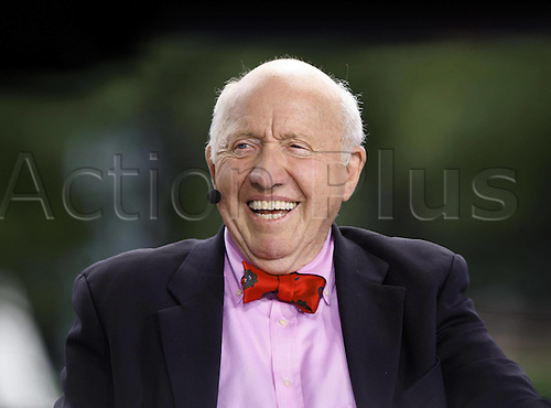 08.09.2009 Tennis Expert and Journalist and TV Commentator Bud Collins (USA) US Open New York Flushing Meadows
