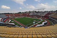 SÃO PAULO, SP, 06 DE MAIO DE 2012 - FINAL DO CAMPEONATO PAULISTA - SANTOS x GUARANI: Estádio do Morumbi antes da partida Santos x Guarani, primeira partida da final do Campeonato Paulista no Estádio do Morumbi. FOTO: LEVI BIANCO - BRAZIL PHOTO PRESS