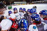 Stockholm 2013-11-26 Bandy Elitserien Hammarby IF - Edsbyns IF :  <br /> Edsbyn tr&auml;nare Thomas Liw och Edsbyn spelare under en timeout under den andra halvleken<br /> (Foto: Kenta J&ouml;nsson) Nyckelord:  timeout