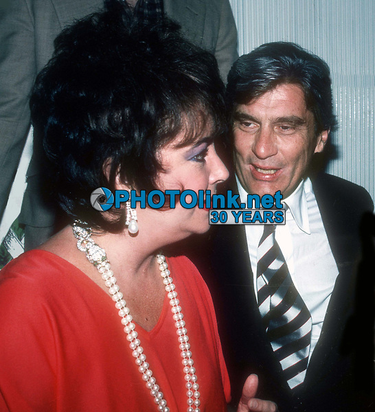 Elizabeth Taylor John Warner 1981<br /> Photo By Adam Scull/PHOTOlink.net