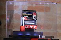 SAO PAULO, SP, 11.02.2014 - SanDisk Extreme PRO USB 3.0 Flash Drive apresentado na coletiva de imprensa  da Sandisk nesta terça-feira, 11 na regiao sul da cidade de Sao Paulo. (Foto: Vanessa Carvalho / Brazil Photo Press).