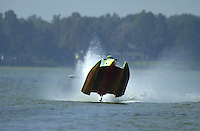 Frame 3: Jeff Shepherd blows over his Hoffman SST-120 boat during a qualifying run..PROP-Cypress Gardens Shootout, Winter Haven, Florida, USA 22 October,2000 copyright©F.Peirce Williams 2000..F.Peirce Williams .photography.P.O.Box 455  Eaton,OH 45320 USA.p: 317.358.7326  e: fpwp@mac.com