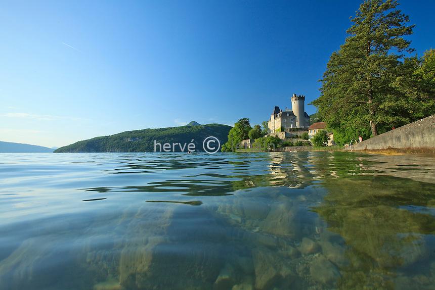 France, Haute-Savoie (74), Duingt, lac d'Anneçy, château de Ruphy ou Chateauvieux // France, Haute-Savoie, Duingt, lake Anneçy, Castle Ruphy or Chateauvieux