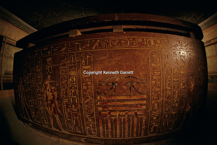 Sarcophagus, Thutmose III, Tuthmosis III, red granite, cartouche-shaped, tomb, Pharaoh, King, New Kingdom, Egypt, Valley of the Kings, KV34