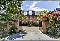 Dream Sunningdale home for golf fanatic.