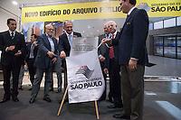 SAO PAULO,SP, 18 DE JUNHO DE 2012 - ENTREGA DO NOVO PREDIO DO ARQUICO PUBLICO DO ESTADO - O governador Geraldo Alckmin (c), o ex governador Alberto Goldemann (e) e o Diretor do Arquivo Publico do Eatado, Carlos Bargosa (d) entrega nesta segunda-feira, 18, o novo edificio do Arquivo Publico do Estado de Sao Paulo, localizado na zona norte da capital paulista.O edificio possui 10 andares, sendo cinco com pe-direito duplo, destinados a guarda de acervos, num total de 23,5 mil metros quadrados de area construida.  FOTO RICARDO LOU/BRAZIL PHOTO PRESS