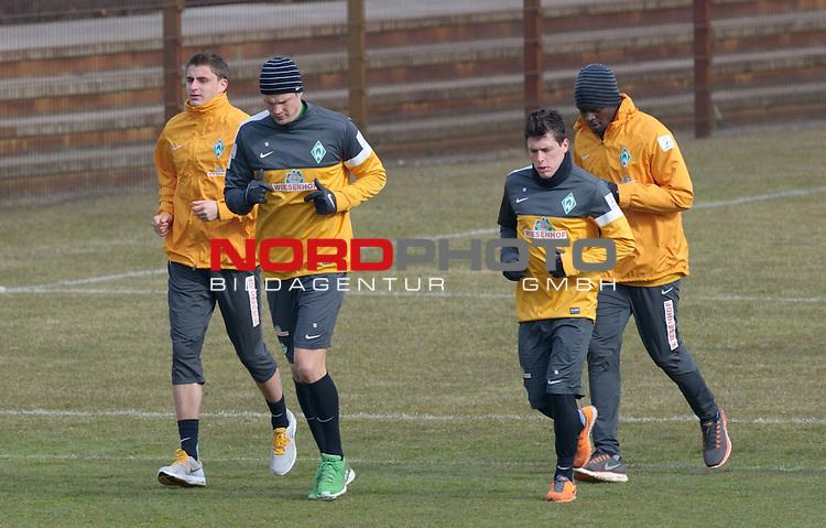 07.04.2013, Trainingsgelaende, Bremen, GER, 1.FBL, Training Werder Bremen, im Bild Sebastian Mielitz (Bremen #1), Sebastian Pr&ouml;dl / Proedl (Bremen #15), Zlatko Junuzovic (Bremen #16), Assani Lukimya (Bremen #5)<br /> <br /> // during training session of Werder Bremen on 2013/04/07, Trainingsgelaende, Bremen, Germany.<br /> Foto &copy; nph / Frisch