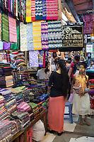 Myanmar, (Burma), Yangon Region, Rangoon: Burmese Longyi stalls at the Bogyoke Aung San Market | Myanmar (Birma), Yangon-Division, Rangun: Verkaufsstaende fuer Birmanische Longyi (Sarongs, Wickelroecke) im Bogyoke Aung San Market