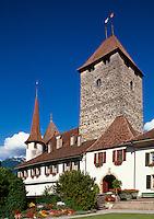 Schloss in Spiez am Thuner See im Berner Oberland, Schweiz