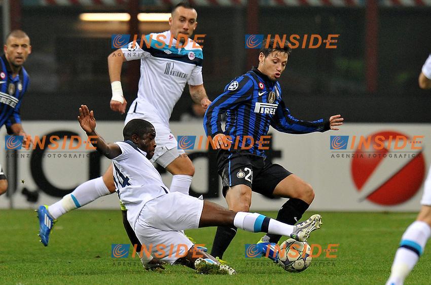 "Mauroo ZARATE (Inter), Rio MAVUBA (Lille).Milano 2/11/2011 Stadio ""Giuseppe Meazza"".Champions League 2011/2012.Football Calcio Inter Vs Lille.Foto Insidefoto Alessandro Sabattini."