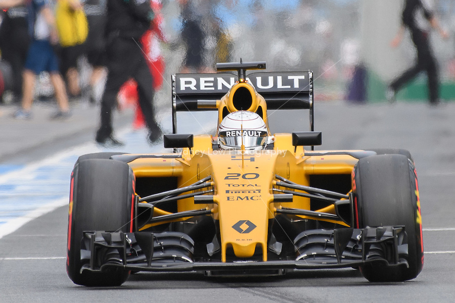 March 19, 2016: Kevin Magnussen (DEN) #20 from the Renault Sport F1 team leaving the pits for qualifying at the 2016 Australian Formula One Grand Prix at Albert Park, Melbourne, Australia. Photo Sydney Low
