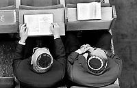 Milano: comunita' LUBAVITCH, festa di BRIT MILA' (circoncisione), preghiera in sinagoga.Milan: LUBAVITVCH community, ceremony of BRIT MILA' (circoncision), prayer in the synagogue..